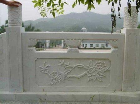 桃(tao)花型漢白玉石欄板(ban)